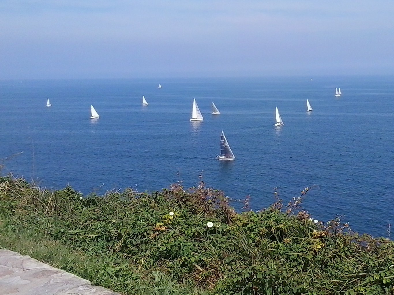 Gijón – Providencia: What better way to spend the day than on a coastal walk watching the world go by in boats!